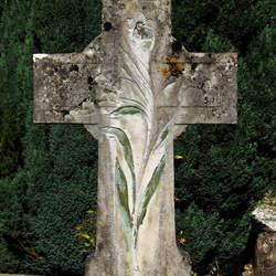 kruis op begraafplaats
