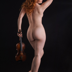 Ivory Flame als Erato