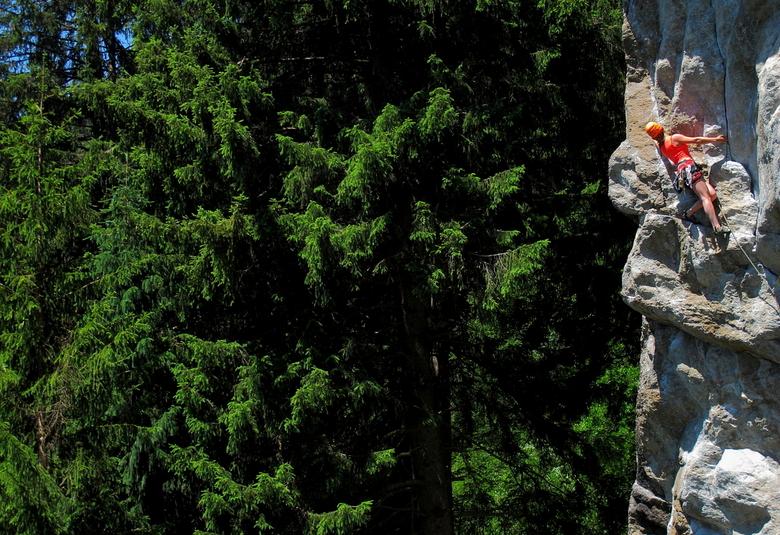Ruby Climbing - Ruby de Witte klimt een mooie graniet route in het Tiroler Nösslach