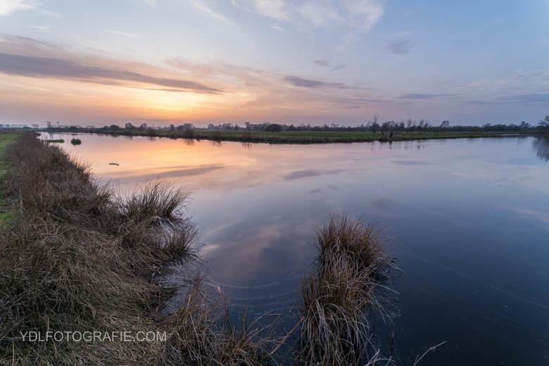 Zonsondergang in Rouveen. -