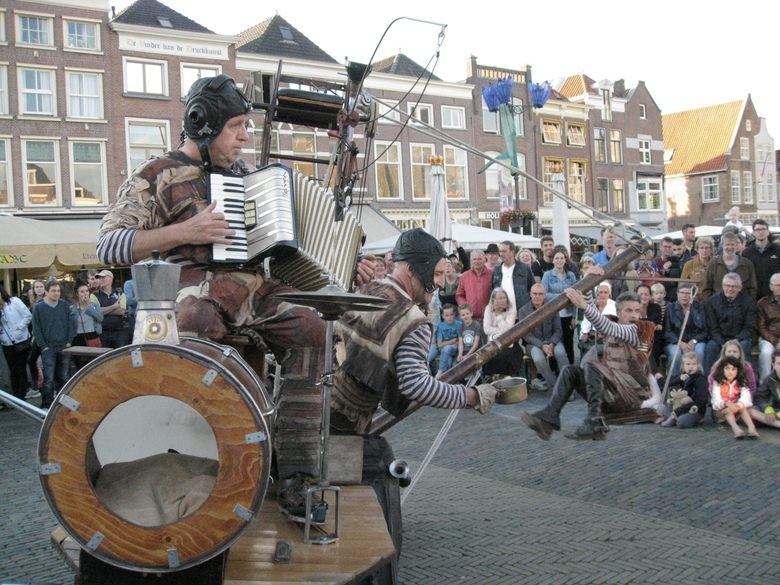Straat-theater Delft -