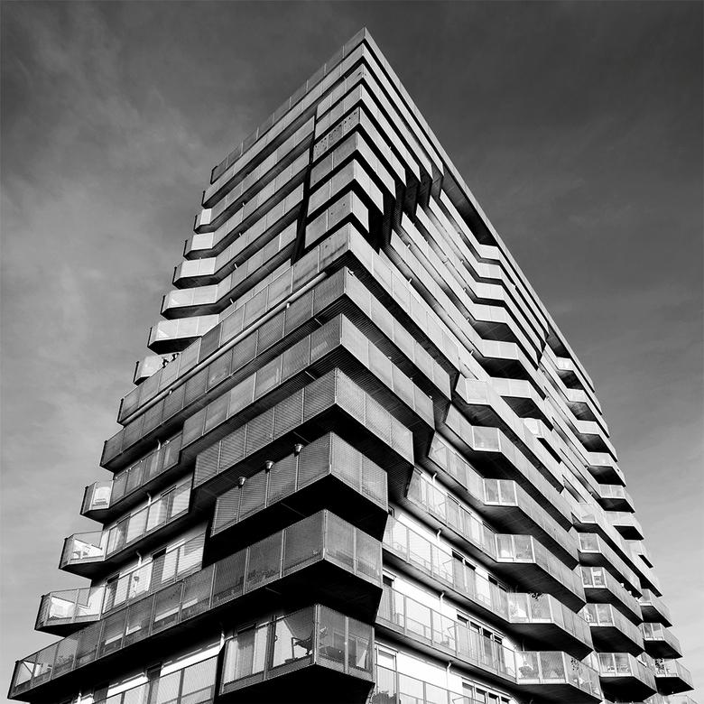 """Groningen: 'De bloempotjes buiten gezet' (2) - Om maar met een abstracte variant te eindigen <img  src=""""/images/smileys/smile.png""""/><br /> Dit woonge"""