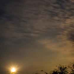 Vuurtoren met overvliegen ISS ruimtestation
