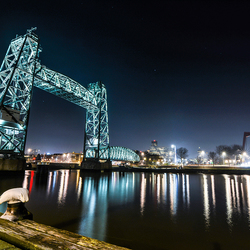 De Hef Rotterdam by night.