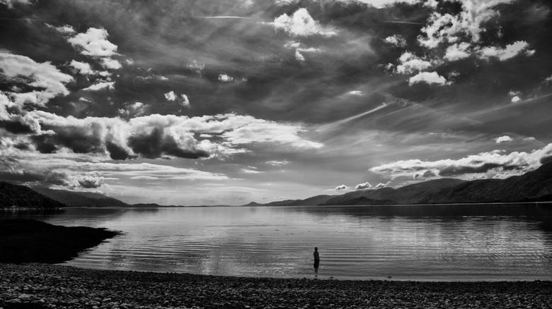 Loch Linhhe I - Loch Linhhe Schotland, mijn zoon Joshua als model in het ijskoude water. Wat een held !!