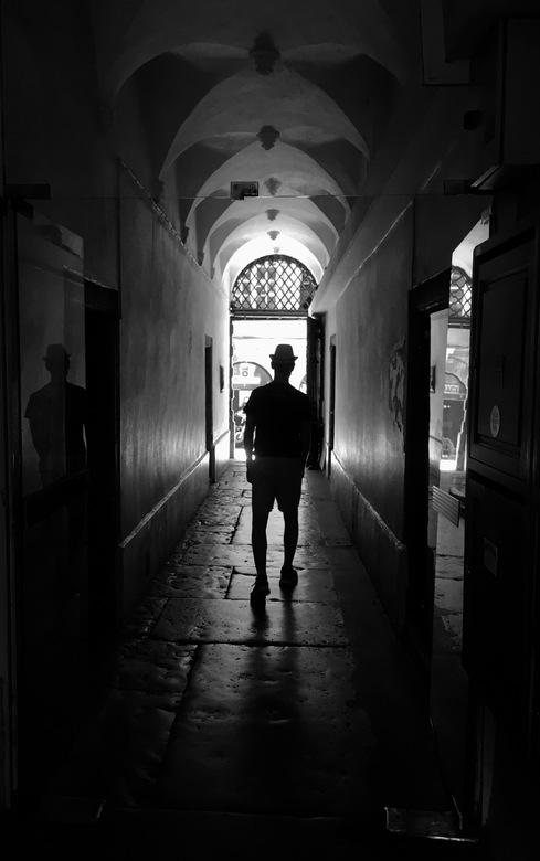 IMG_9279 - slenteren door het oude Lyon