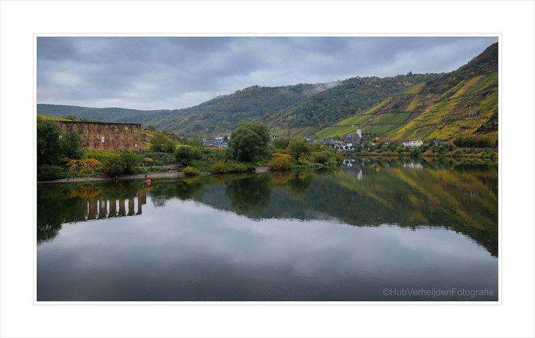 Herfst langs de Moezel. - Ons tripje langs de Moezel zit er weer op. Hier een impressie van de Moezel in de buurt van het dorp Neef.<br /> <br /> <a