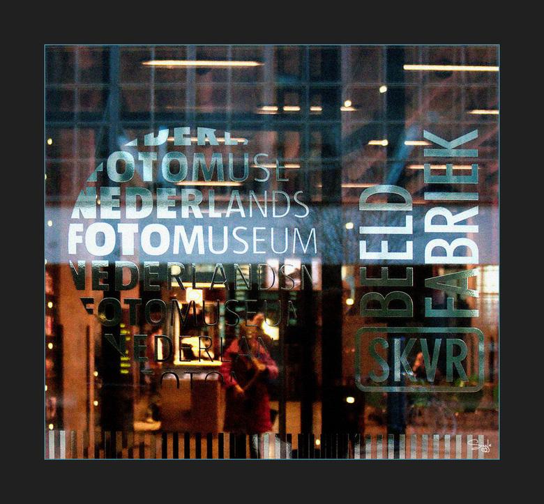 Rotterdam serie 2(25) - De laatste van Rotterdam.Het fotomuseum..Ben er nog steeds niet geweest maar dat komt volgende keer.Ruis is toegevoegd.