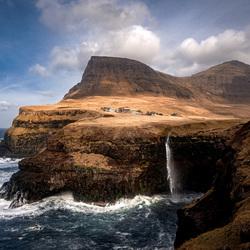 Múlafossur waterval op de Faeröer Eilanden