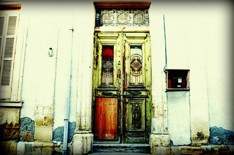 Cyprus-80. - Bewerking ,oude deur.