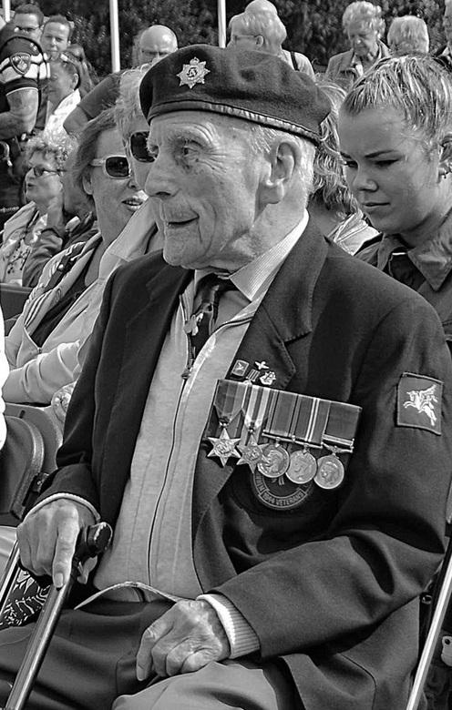 Ere wie ere toekomt....  VRIJHEID - Dit weekeinde zijn er in deze regio herdenkingsbijeenkomsten/evenementen om de slag om Arnhem niet te vergeten. (