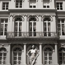 Sara, Brussel