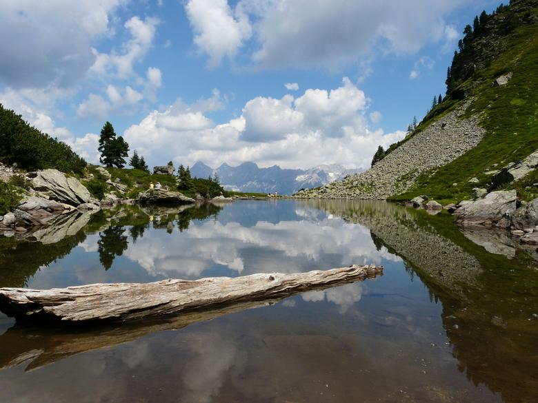 Spiegelsee - De Spiegelsee bij de Reiteralm, Dachstein Oostenrijk. Het is duidelijk genoeg waar de naam vandaan komt.