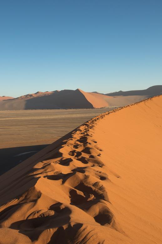 De Sossusvlei - De Sossusvlei is een klei-vallei in het midden van de Namibwoestijn