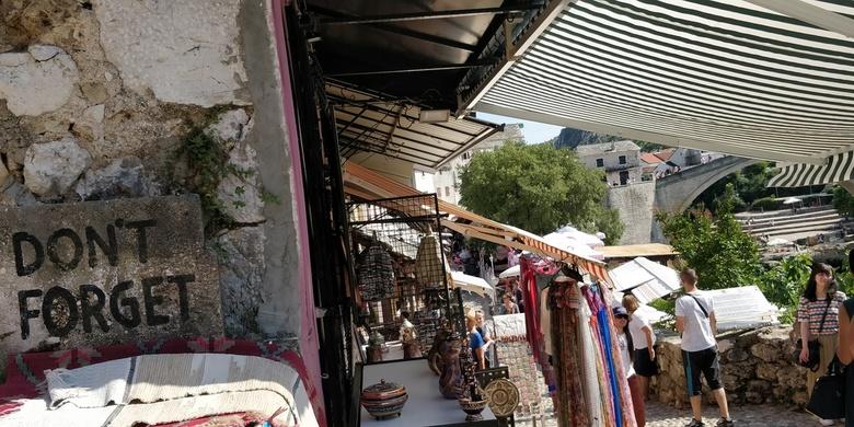 Don't forget - Mostar, Bosnië en Herzegovina, <br /> Het heden en het verleden, laten we dat niet vergeten