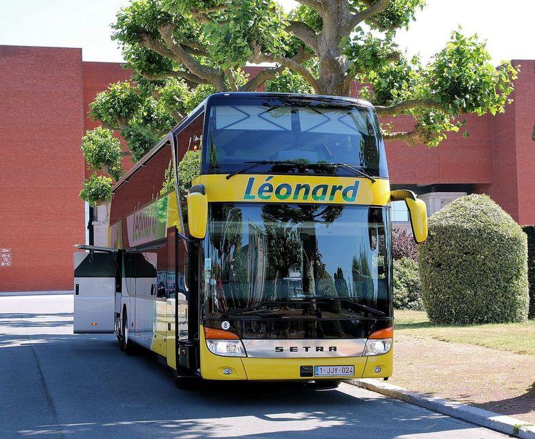 Setra, touring bus - Hier heb ik het even moeilijk gehad bij de nabewerking. Het is haast onmogelijk geweest om alles mooi recht te trekken. Zelfs bij