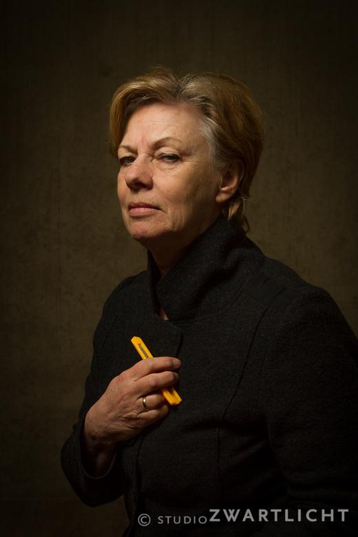 Vrouw met stanleymes - Oefenen met belichting en pose voor het Van Gogh-project