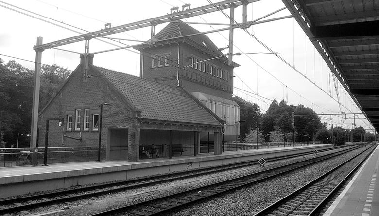 Op een klein stationnetje... - Zondagmiddag,, Deventer