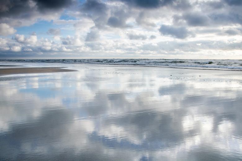 Hier aan de kust - part III - De laatste van de drieluik.<br /> <br /> Dank jullie voor de mooie reacties op de vorige kustfoto&#039;s