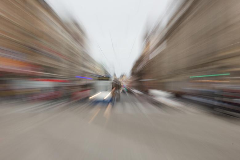 Amsterdam in beweging - Damrak, Beurs van Berlage. #zooming out