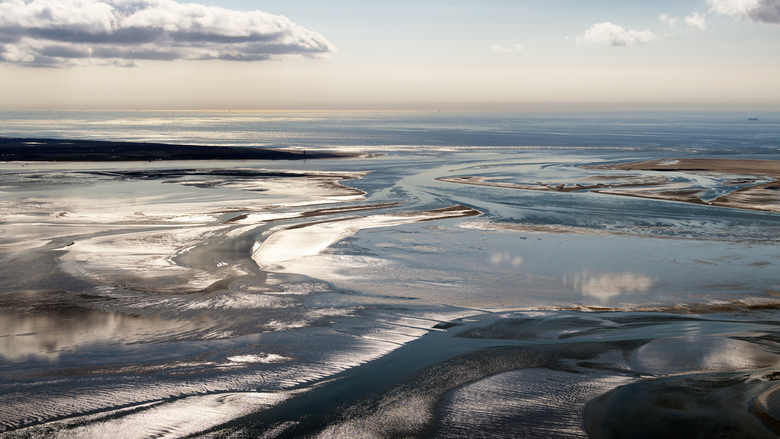 Zeegat Texel Vlieland - Het zeegat bij de Eierlandse Gronden tussen de Noordpunt van Texel en Vlieland. De stromen Engelschmangat en Robbengat stromen