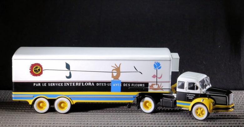 """Berliet TLR 10 M uit 1953-1957 - <span style=""""font-weight:bold;"""">Berliet trekker met koelwagen Fleurop - Interflora</span><br /> De TLR 10 werd een v"""