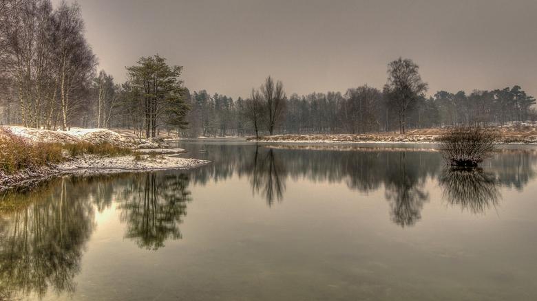 Sssst.... - Zaterdag terug geweest naar surae maar er lag niet zo heel veel sneeuw maar net genoeg voor een winters plaatje en het was ook heerlijk wi