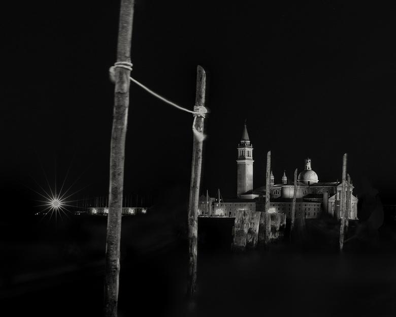Venetië - Het uitzicht vanaf de San Marco. 's Nachts.