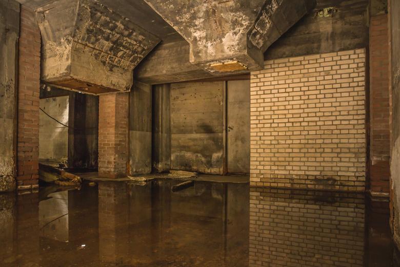 Urbexbasementmirror 2 - De krachtcentrale in Huizen was onlangs  3 dagen opengesteld voor fotografen, er gaat nu een verbouwing plaats vinden om er ee