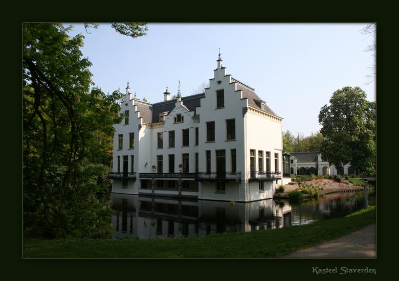 Landgoed Kasteel Staverden - Als je van dit schitterende en stralende weer hebt dan wordt een opname zo kleurrrijk.<br /> <br /> Dit is Landgoed Sta