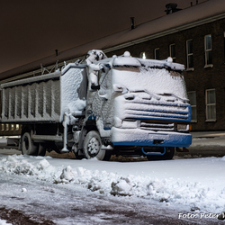 Buitenslaper in de sneeuw