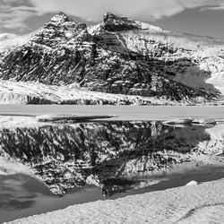 bergen bij het Fjallsarlon meer