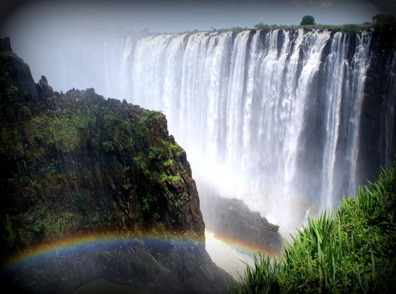 """victoria Falls (zambia) - David Livingstone op 17 november 1855. """"Geen enkel ander uitzicht in Engeland kan de schoonheid hiervan overtreffen&quo"""
