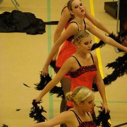de vrouwen van de duivel (the twirling girls)