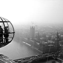 Uitzicht over Londen vanuit London Eye in b/w