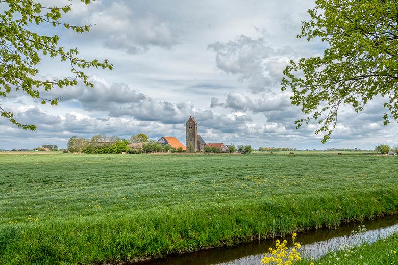 Kerkje van Westhem - Her kerkje van Westhem, maar nu geplaatst in het weidse landschap.<br /> <br /> Groet Piebe
