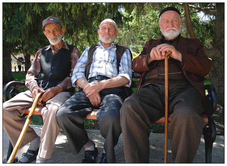 Op Een Bankje.Drie Heren Op Een Bankje Overig Foto Van Rudy Rudy Zoom Nl