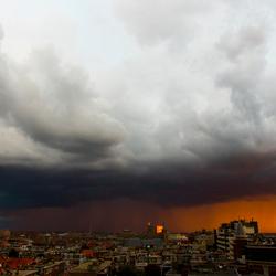 Onweer boven scheveningen