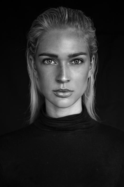 Portrait of Marieke - Photography: Agata Serge<br /> Model: Marieke