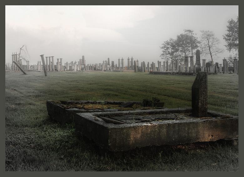 oude graf - zo daar ben ik eens weer,lang geleden dat ik een foto heb geplaatst.<br /> is wel eentje uit de oude doos.<br />