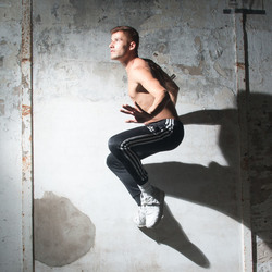 Model Bradley in Zoom Bootcamp te Ulft