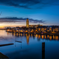 Deventer na zonsondergang