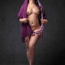 Alecia in paars