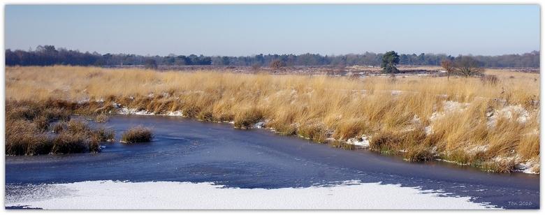 Winters - Het is hier in Twente net een beetje winter en ik kan er niet op uit. Jammer, maar dit winterbeeld vond ik nog in mijn archief.