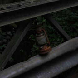 Onverlichte brug