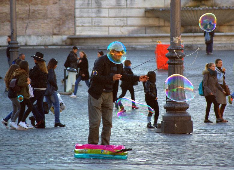 Bubblehead. - Rome.
