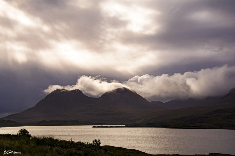 Loch Lurgainn, Linneraineach! - uit het gebied van de Stac Polliadh <br /> mvg Koos<br /> <br /> dank voor de fijne reacties op mijn foto!<br /> <