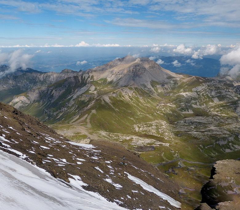 Schilthorn Zwitserland. - Vanaf de Schilthorn op 2970 meter, heb je een geweldige indruk van de verlatenheid van het woeste berglandschap.<br /> <br