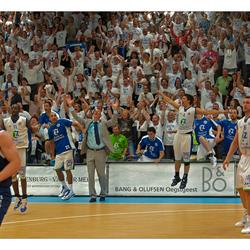 ZZ Leiden wint NK-basketbal