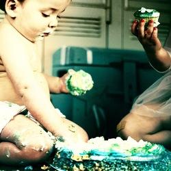 Little cake boy